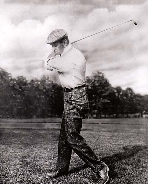 Willie Anderson swinging a golf club