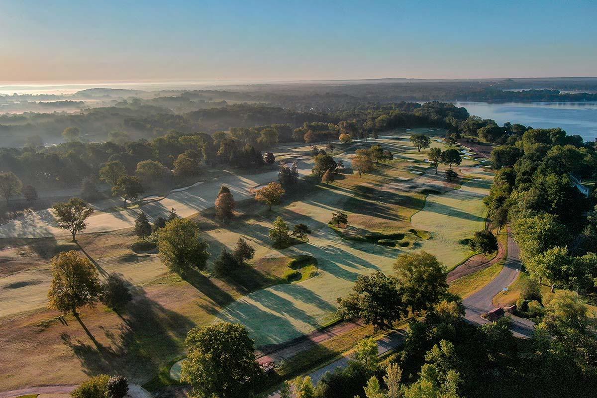Club at Lac La Belle golf course shadows